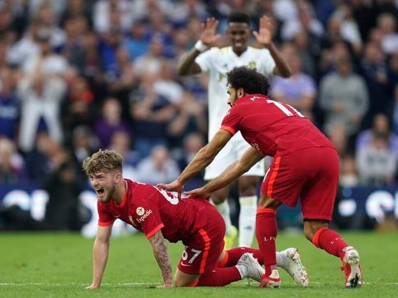Harvey Elliott: Liverpool player defends Leeds' Pascal Struijk