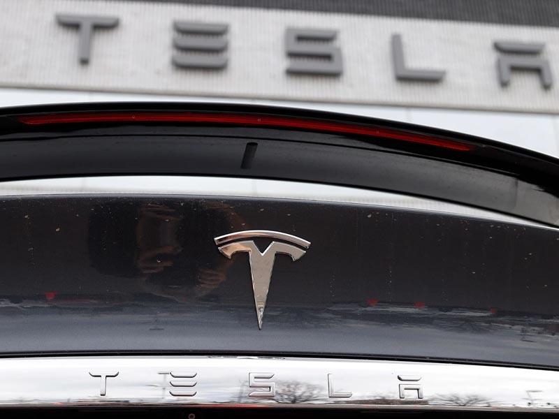 Tesla to move headquarters to Texas, Elon Musk says