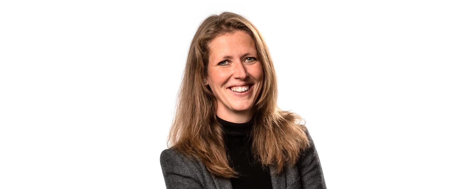 Rechtsanwältin Anne Köhler, Expertin für Arbeitsrecht und Datenschutz für Arztpraxen.