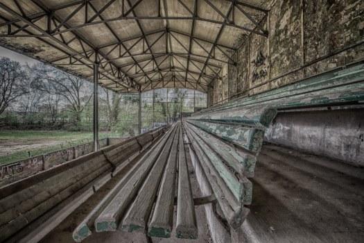 Die verlassene Tribüne in Weidenpesch_Christian Suellhoefer