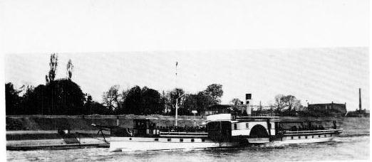 """Das """"Müllemer Böötche"""", Fotograf unbekannt, Bildquelle: Die Handelskammer für den Kreis Mülheim am Rhein (1871-1914) Heinz Hermanns"""