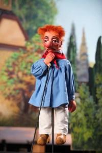 Tünnes, mit bürgerlichen Namen Anton Schmitz, ist gutmütig, hilfsbereit und ein einfach gestrickter Charakter, Bild: Hänneschen-Theater