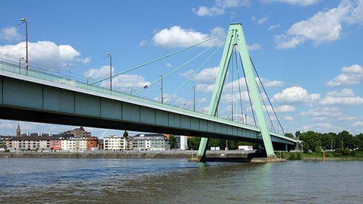 "Die Severinsbrücke im ""Kölner Brückengrün"", Bild: Rolf Heinrich"