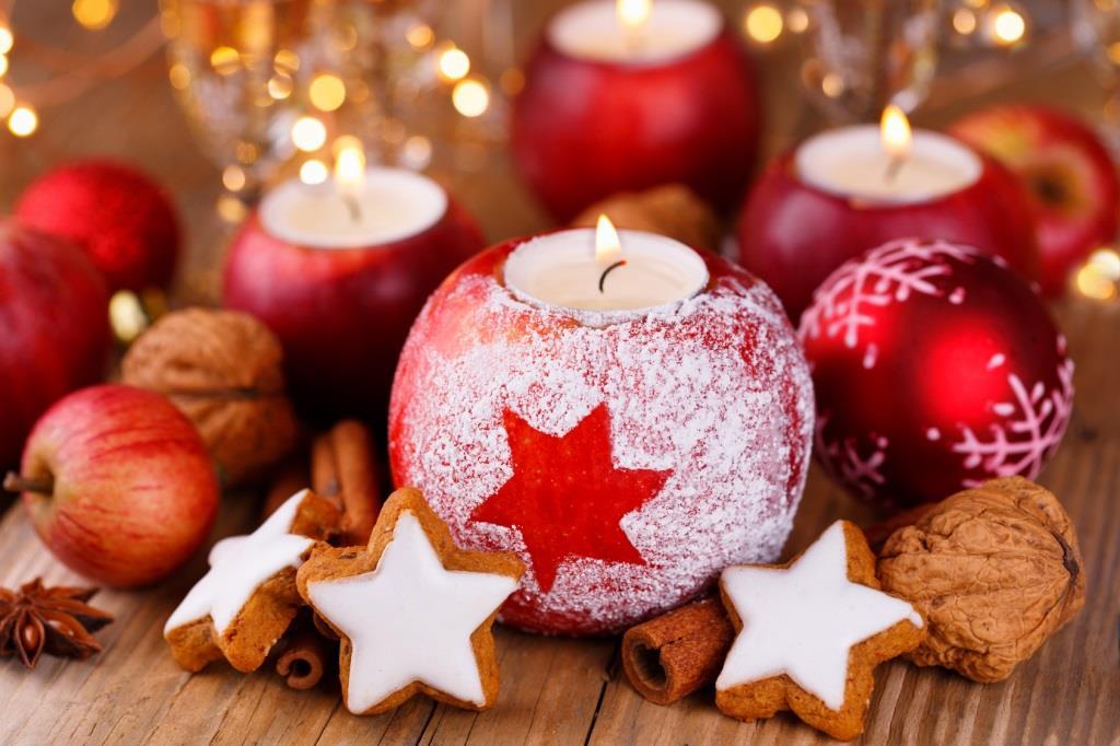 weihnachtsfeier mit punsch keksen und einer keksdose. Black Bedroom Furniture Sets. Home Design Ideas