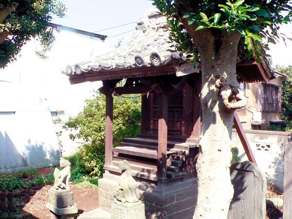 三神町稲荷神社