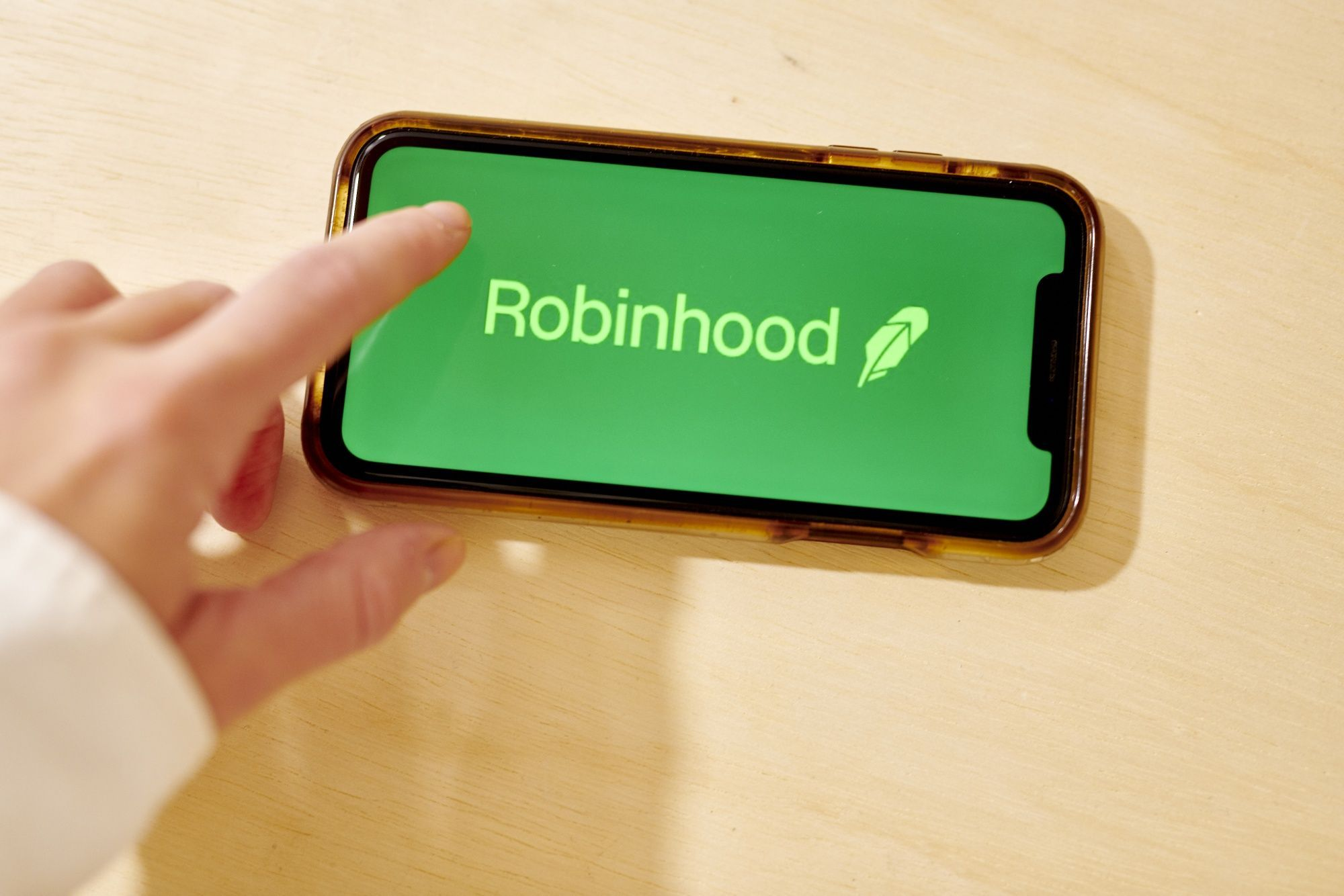 Robinhood Pays Settlement, but Gamification Remains a Concern