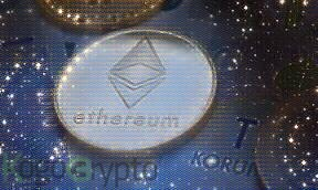 Ethereum approaches $1K after ETH, Altcoins surge vs Bitcoin decline from 34.7K.