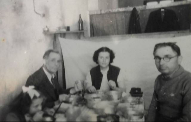 Botohet për herë të parë pas 72 vjetësh fotoja e rrallë e Mit'hat Frashërit