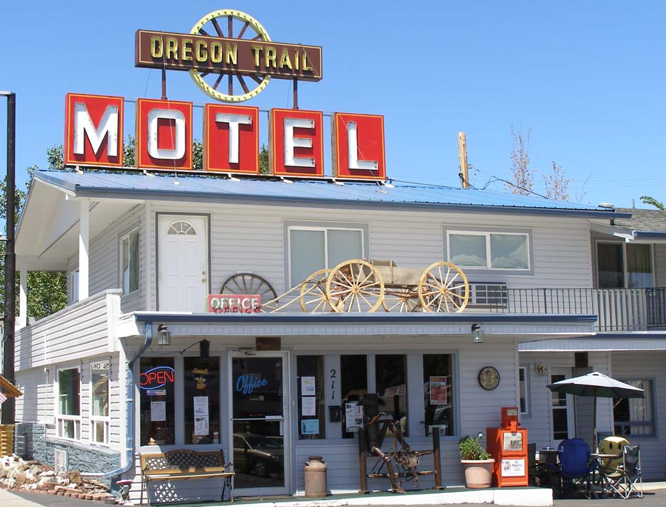 Oregon Trail Motel and Restaurant - 211 Bridge Street, Baker City, Oregon U.S.A. - 2008