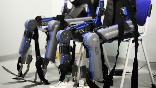 Pazienti paraplegici recuperano mobilità e sensibilità grazie all'uso della realtà virtuale