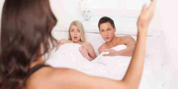 Gennaio mese a rischio infedeltà, si registra un picco di tradimenti