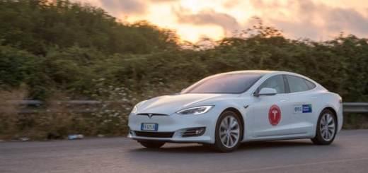 Macchina elettrica quanto consuma e che autonomia ha. La Tesla Model S fa 1000 km con una carica