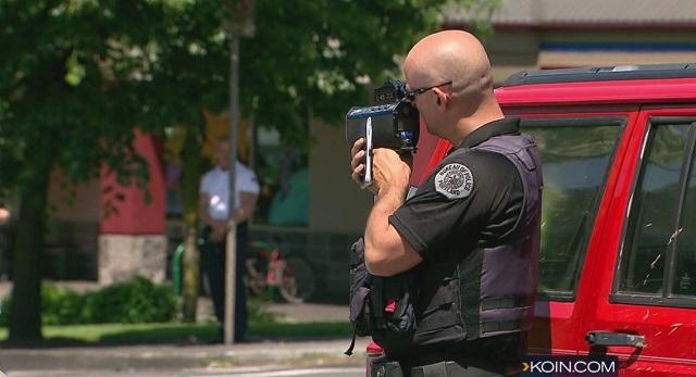 generic portland police accident scene 04252016_298272