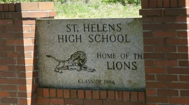 st-helens-high-school-sign-09262014-web_1525386769920.jpg
