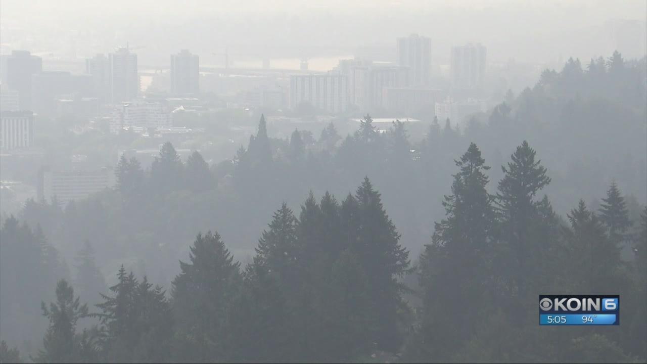 Thick_wildfire_smoke_socks_in_Portland_m_0_20180815001736