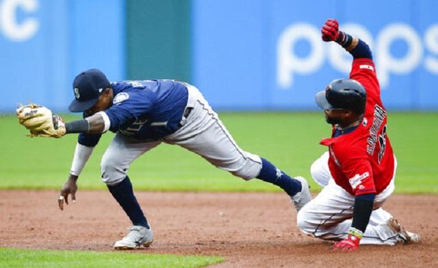APTOPIX Mariners Indians Baseball_1557017818390