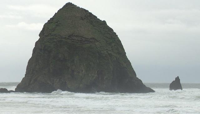 haystack rock cannon beach 03202018_1521577840168.jpg.jpg