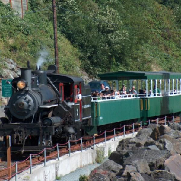 Oregon Coast locomotive chugs along after nearly a century