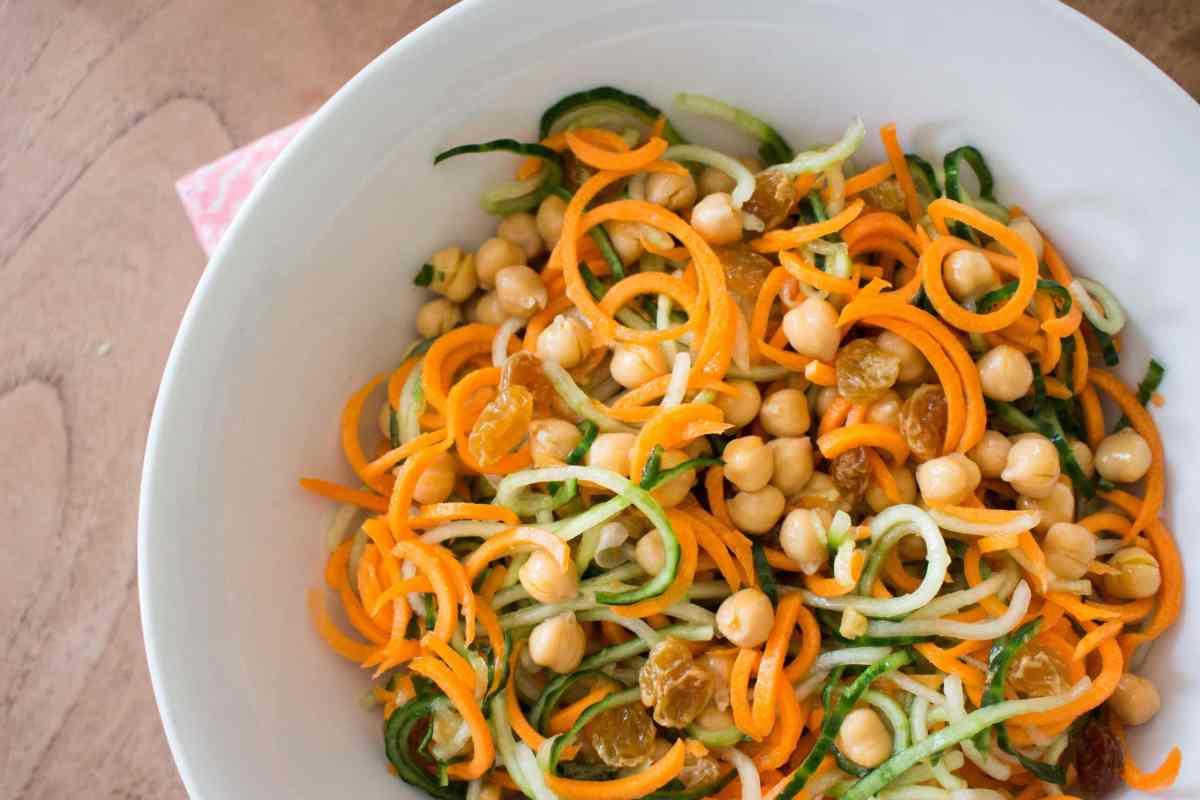 Spiraal salade met wortel en komkommer-4