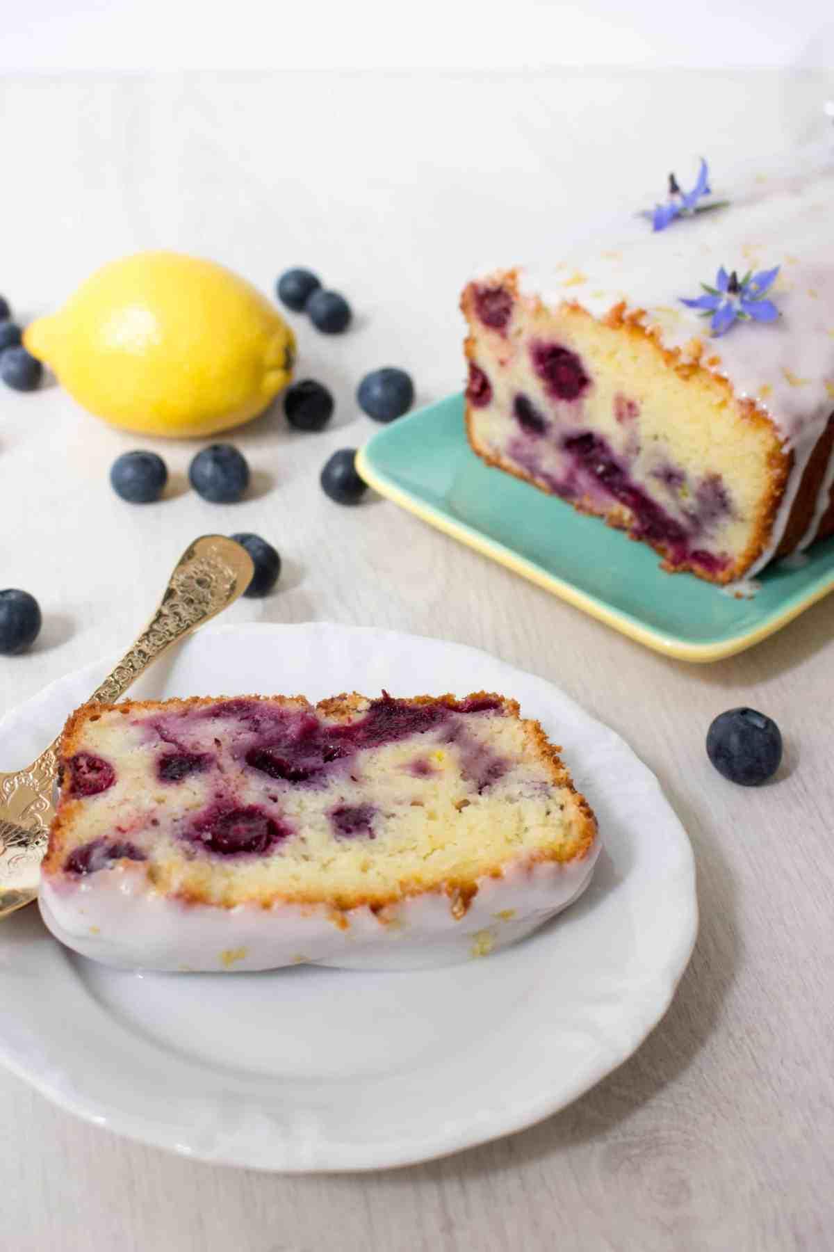 cake met blauwe bessen en citroen-6