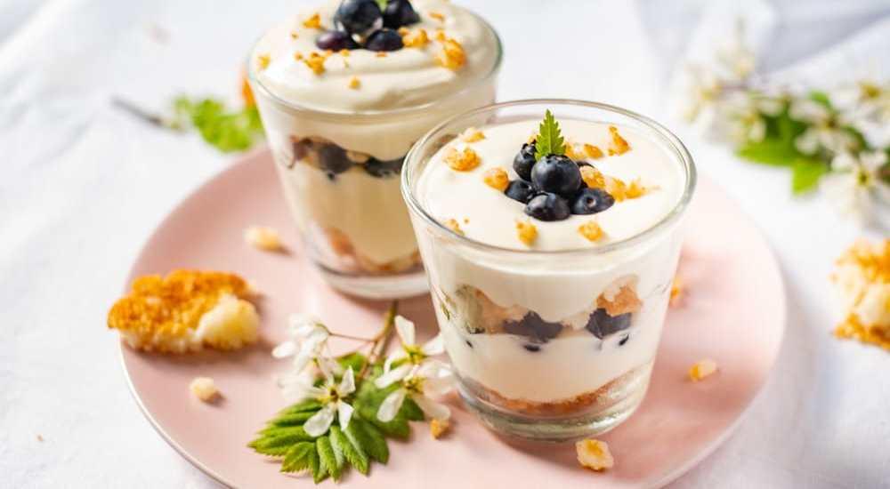 Snel dessert met mascarpone en kokosrotsjes