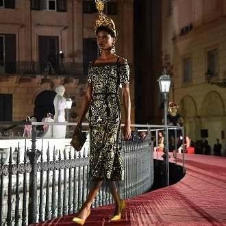 Nigerian Model, Imade Ogbewi Walks The Runway For Dolce & Gabbana's AW17 Show 2