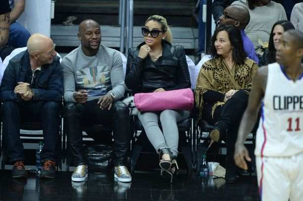 Lucky Seven! Floyd Mayweather Reveals How Many Girlfriends He Has....Says 'Having One Is Too Close To Having None.' 2