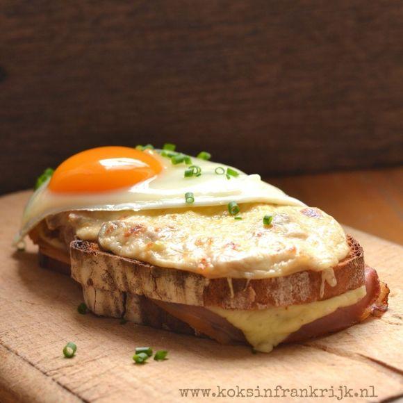 Croque madame | Franse tosti met bechamelsaus en een gebakken ei