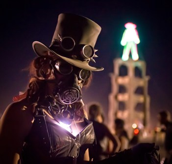 Steampunk at Burning Man/ Trey Ratcliff (CC BY-NC-SA 2.0)