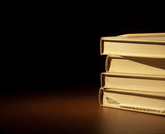 Books / Chris (CC BY 2.0)