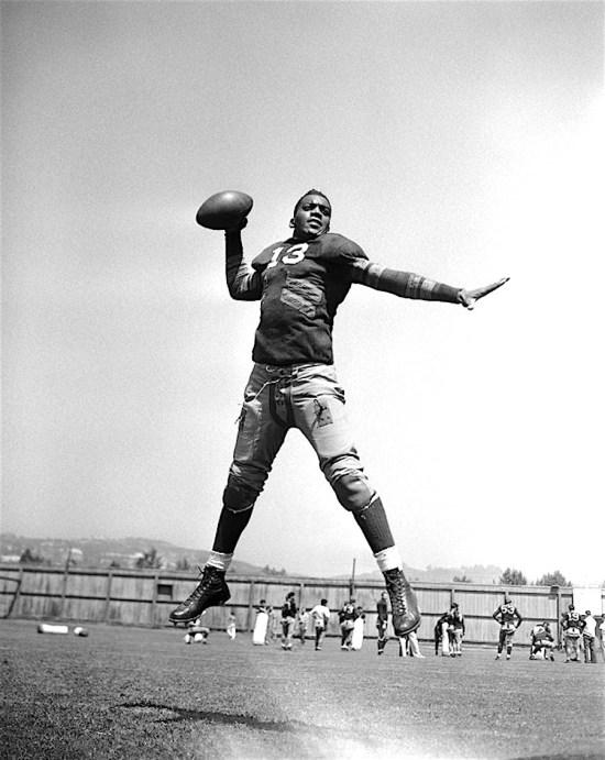 Black Football Player, 1st Black NFL Player, Kenny Washington, Pro Football Hall of Fame, KOLUMN Magazine, Kolumn