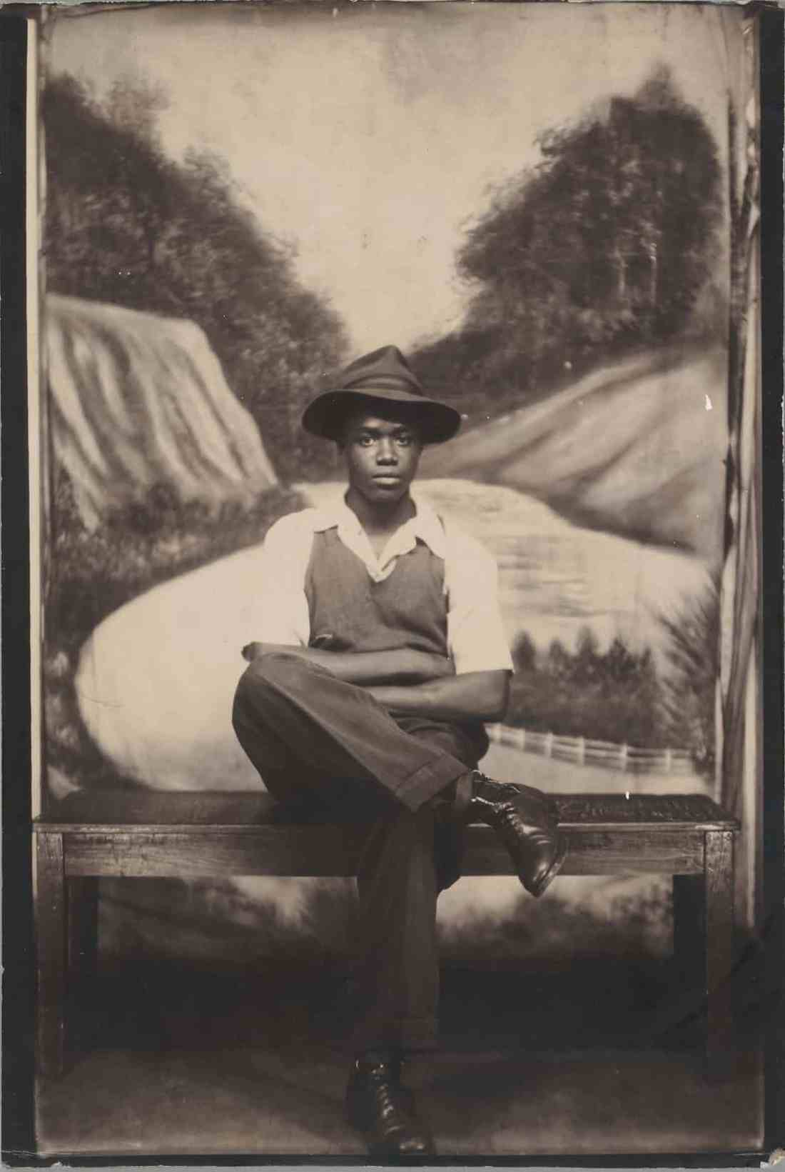 African American Portraits: Photographs from the 1940s and 1950s, Metropolitan Museum of Art, African American History, Black History, African American Communities, Black Communities, African American Photography, KOLUMN Magazine, KOLUMN, KINDR'D Magazine, KINDR'D
