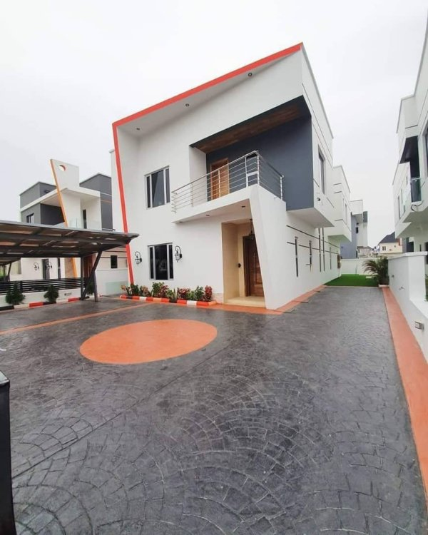 Brand New 4 Bedroom House For Sale In Lekki.