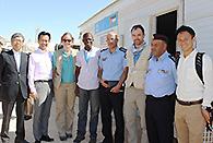 UNHCRのホワイト現地代表らと意見交換する谷合、岡本の両氏