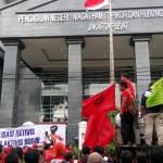 Sidang Perdana Pengadilan Buruh Perempuan Ditunda