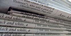Zeitungsstapel - Bildquelle: Wikipedia - Daniel R. Blume