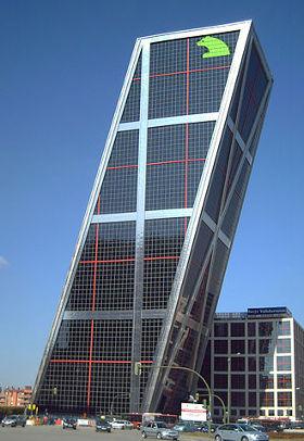 Unternehmenssitz Bankia - Bildquelle: Wikipedia / Luis García (Zaqarbal); Creative Commons Attribution-Share Alike 3.0 Unported