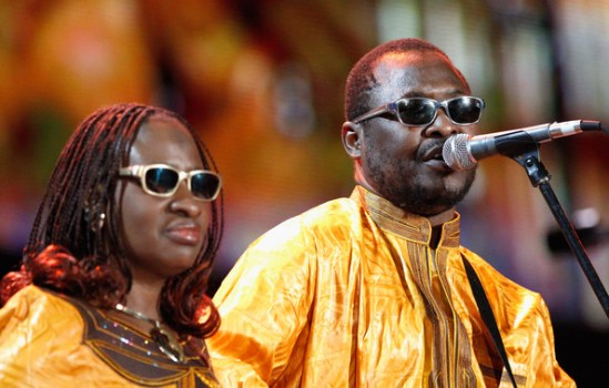 Quiz-Amadou & Mariam, 'The blind couple from Mali'. Image from http://www.konnectafrica.net (Learn English With Africa)