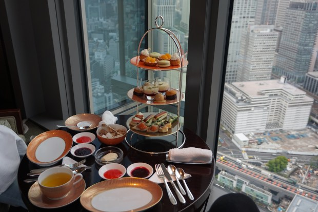 50 Best Places to Eat in Tokyo - High Tea at the Oriental Lounge in the Mandarin Oriental