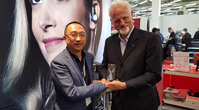 "ULTRASONE verleiht ""Distributor Of The Year"" Award 2019"