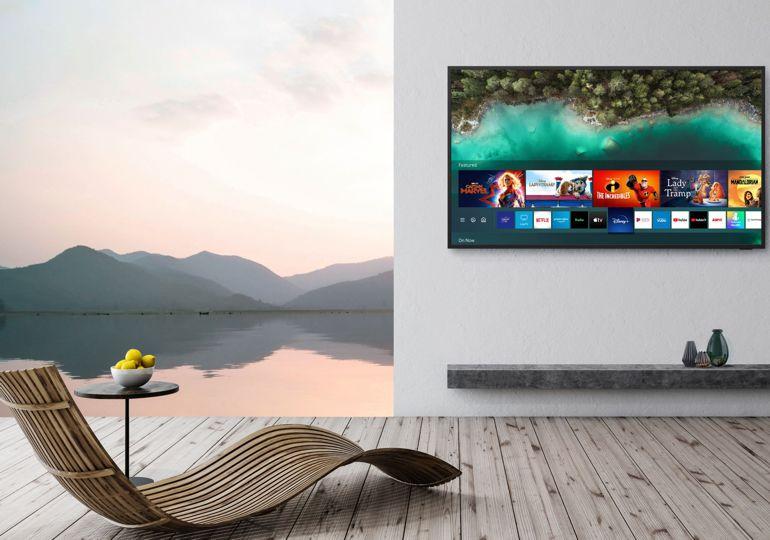 Samsung bringt Home Entertainment ins Freie mit dem neuen TV und der Soundbar The Terrace