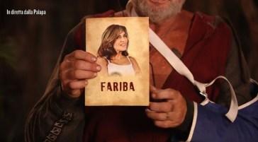 """Isola dei Famosi, l'orrido gesto di Paul Gascoigne: """"Cosa si è pulito con la foto di Fariba"""""""