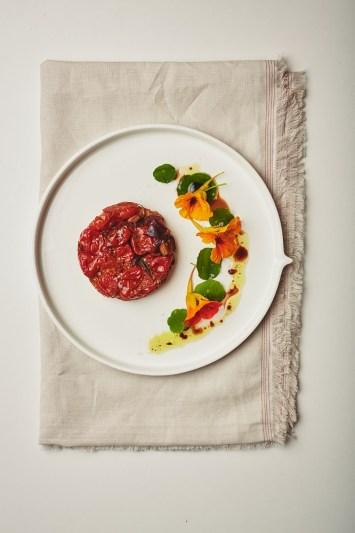 Tarte tatin met tomaatjes uit het kookboek 'Leafs'