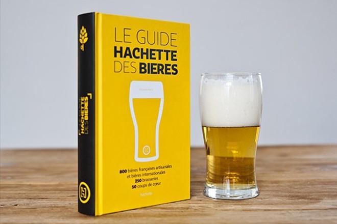 Idées Cadeaux - le fan de bière - le guide hachette des bières