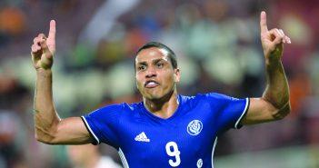 بعد انتهاء العقوبة النصر الإماراتي يطلب إعادة قيد البرازيلي فاندرلي..!