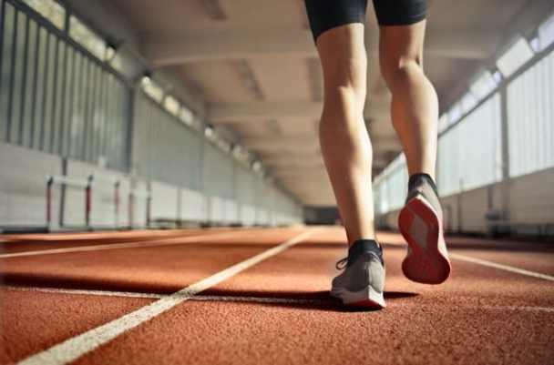 koşu yapan insan