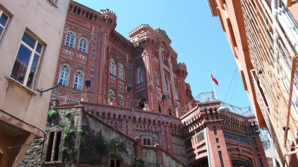 Renkli Binalar, Ünlü Otantik Sokaklar: Balat & Fener'i Hala Görmediniz mi?