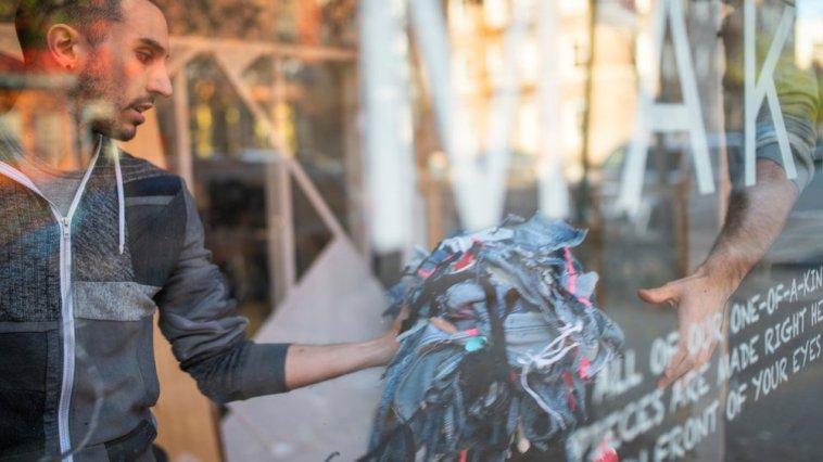 Moda Endüstrisinin Çöpü Onun Serveti Oldu