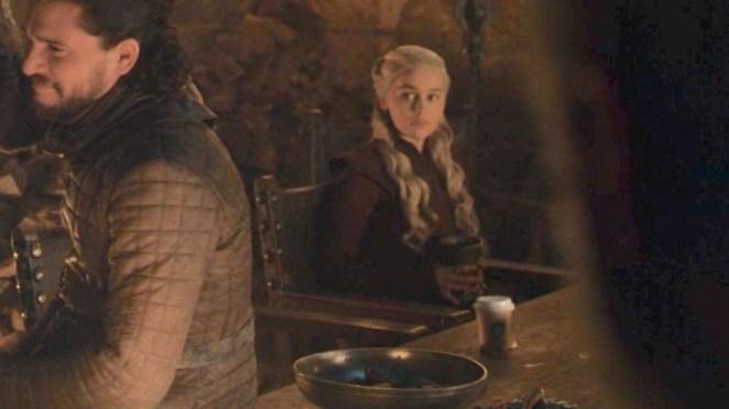 Game Of Thrones'taki Starbucks Bardağının Gizemi Çözüldü