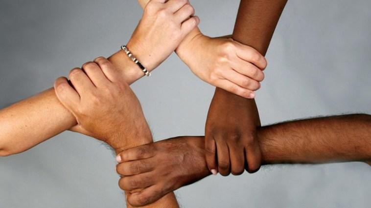 Neden Sürekli Herkes Birbirini Irkçılık ile Suçluyor? Yoksa Hepimiz Irkçı Mıyız?